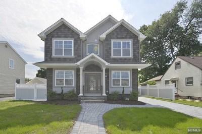 Saddle Brook Single Family Home For Sale: 579 Oak Avenue