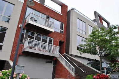 Edgewater Condo/Townhouse For Sale: 19 Vela Way