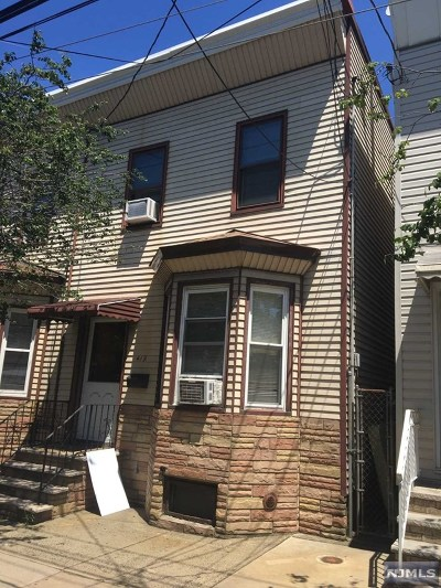 Single Family Home For Sale: 419 Lafayette Street