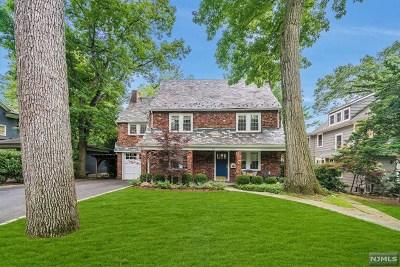 Ridgewood Single Family Home For Sale: 72 Ridge Road