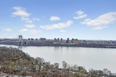 Fort Lee Condo/Townhouse For Sale: 1512 Palisade Avenue #18c