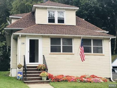 Midland Park Single Family Home For Sale: 236 Vreeland Avenue
