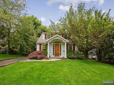 Tenafly Single Family Home For Sale: 77 Park Street