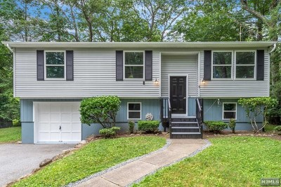 West Milford Single Family Home For Sale: 6 Taft Road