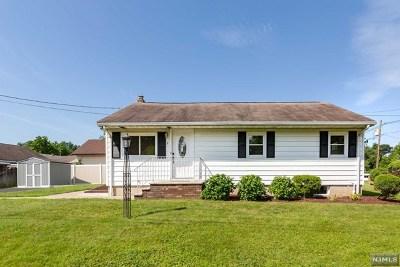 Totowa Single Family Home For Sale: 1 Margaret Street