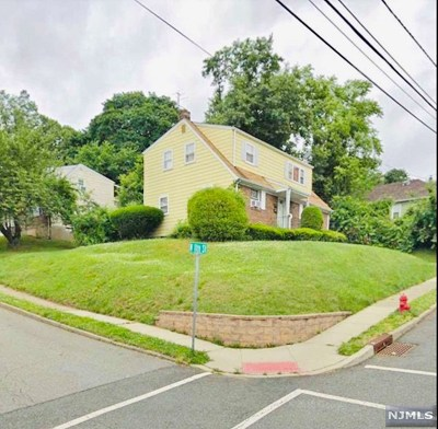 Hawthorne Multi Family 2-4 For Sale: 50 Mohawk Avenue