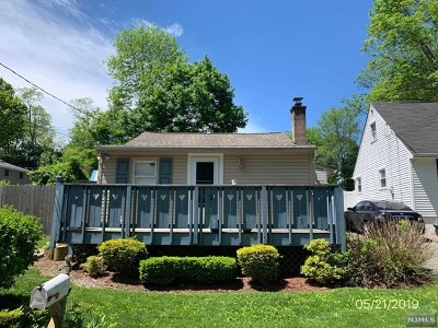 West Milford Single Family Home For Sale: 29 Highland Avenue
