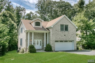 Woodcliff Lake Single Family Home For Sale: 7 Edward Place