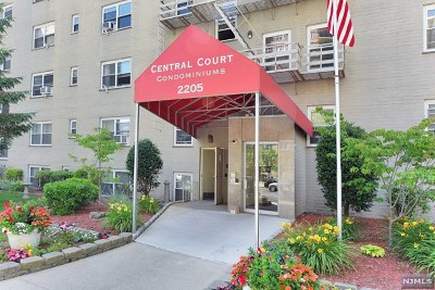 Fort Lee Condo/Townhouse For Sale: 2205 North Central Road #5a