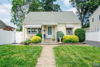 Saddle Brook Single Family Home For Sale: 115 Wilson Street