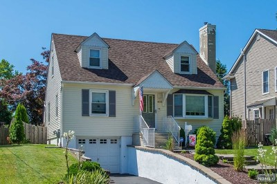 Pompton Lakes Single Family Home For Sale: 428 Riverview Road