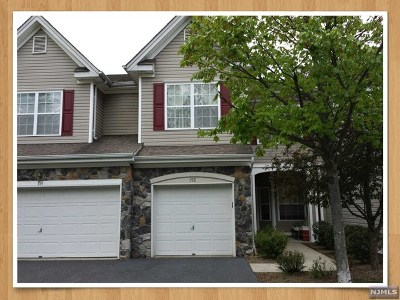 Pompton Lakes Condo/Townhouse For Sale: 192 Ridge Drive