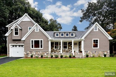 Montvale Single Family Home For Sale: 13 Cottage Avenue