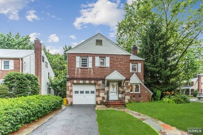 Teaneck Single Family Home For Sale: 423 Forest Avenue