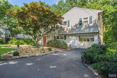 Ringwood Single Family Home For Sale: 17 Edgewood Road