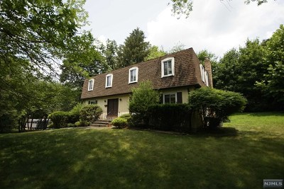 Closter Single Family Home For Sale: 10 O Shaughnessy Lane