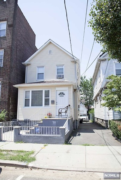 North Bergen Single Family Home For Sale: 8305 4th Avenue