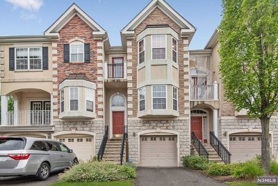 Hudson County Condo/Townhouse For Sale: 88 Osprey Court