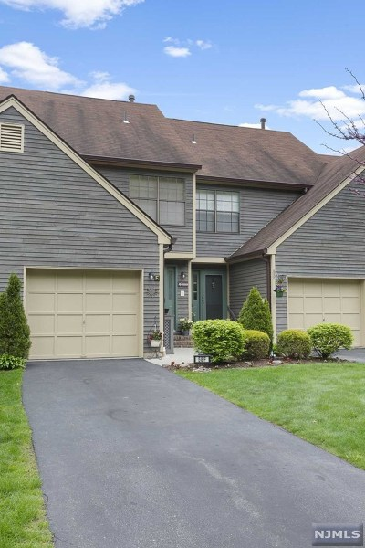 West Milford Condo/Townhouse For Sale: 58 Bunker Hill Road #F