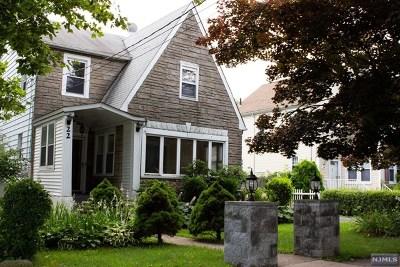 Teaneck Single Family Home For Sale: 22 Elizabeth Avenue