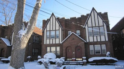 Englewood Condo/Townhouse For Sale: 437 Stockton Place #4, 2nd F