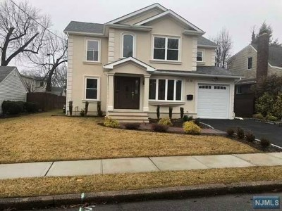 Fair Lawn Single Family Home For Sale: 12-36 Lexington Street