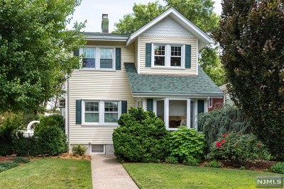 New Milford Single Family Home For Sale: 261 Monmouth Avenue