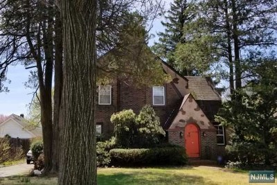 Teaneck Single Family Home For Sale: 43 Brinkerhoff Avenue