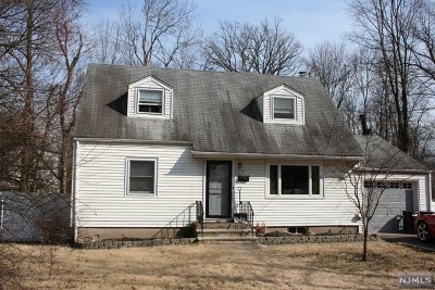 Teaneck NJ Single Family Home For Sale: $309,900