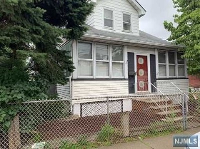 Clifton Single Family Home For Sale: 644 Paulison Avenue