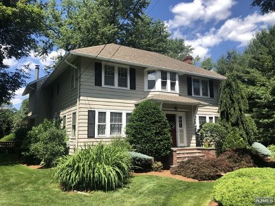 Oradell Single Family Home For Sale: 694 Orchard Street