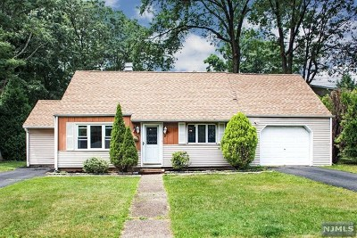 Waldwick Single Family Home For Sale: 2 Charles Terrace