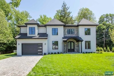 Tenafly Single Family Home For Sale: 172 Newcomb Road