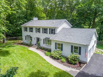 West Milford Single Family Home For Sale: 78 High Crest Drive