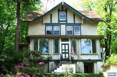 Pompton Lakes Single Family Home For Sale: 24 Summit Avenue