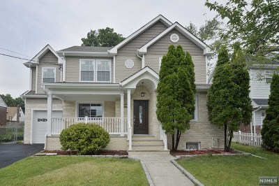 Fair Lawn Single Family Home For Sale: 26-15 Urban Place