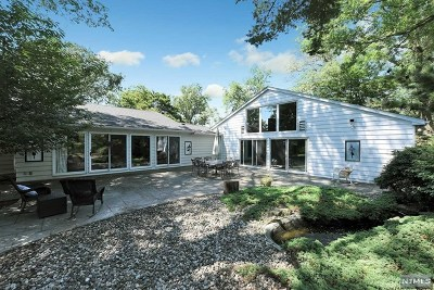 Tenafly Single Family Home For Sale: 49 Nelson Place