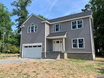 Waldwick Single Family Home For Sale: 28 Lindbergh Parkway