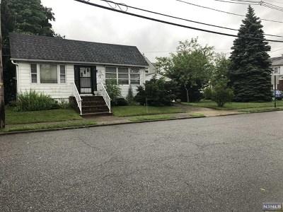 Fair Lawn Single Family Home For Sale: 25-08 Rosalie Street