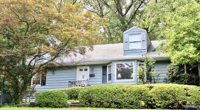 Ridgewood Single Family Home For Sale: 540 Van Dyke Street