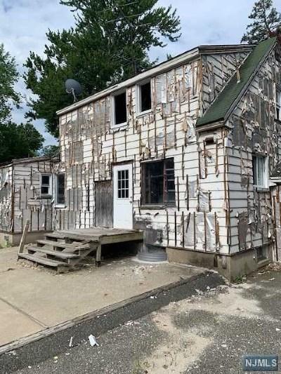 Essex County Single Family Home For Sale: 211 Walnut Street