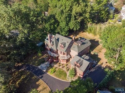 Essex County Single Family Home For Sale: 208 North Mountain Avenue