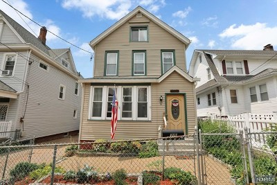 East Rutherford Single Family Home For Sale: 75 Lincoln Place