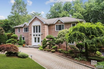 Ridgewood Single Family Home For Sale: 907 Hillcrest Road
