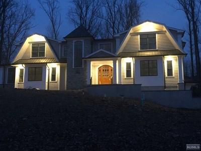 Upper Saddle River Single Family Home For Sale: 62 Lilline Lane