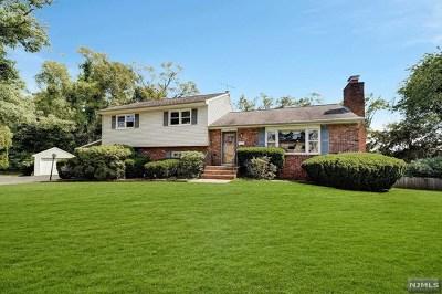 Mahwah Single Family Home For Sale: 116 Cedar Hill Avenue