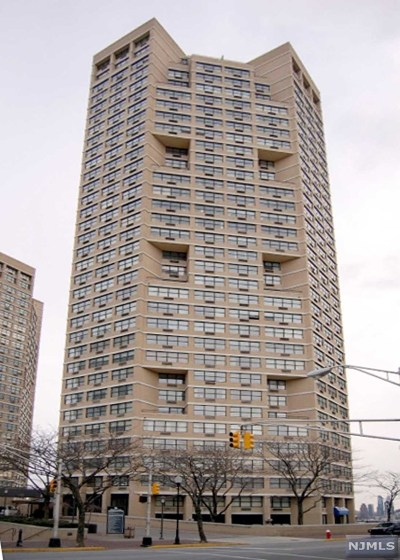 Hudson County Condo/Townhouse For Sale: 7000 Boulevard East #39h