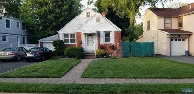 Fair Lawn Single Family Home For Sale: 13-37 Sunnyside Drive