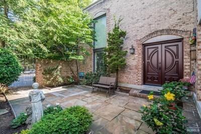 Hudson County Single Family Home For Sale: 900 John F Kennedy Boulevard