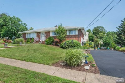 North Haledon Single Family Home For Sale: 56 Louise Place